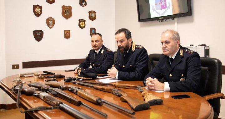 Trovato con armi e droga: la polizia di stato arresta un cittadino albanese incensurato